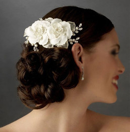 Wholesale White Plastic Pearls - 2015 Headpiece Bridal Hair Flowers Pearls Hand Made Flowers Crystal Comb Ivory Bridal Veil Wedding Accessories Dhyz 01