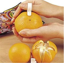 Wholesale Plastic Orange Peelers - 2017 Cooking Tools Parer Finger Type Open orange peeler machine Orange Device tools Creative kitchen accessories de cozinha JIA473