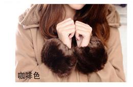Wholesale wristband fur - Wholesale-High Quality 1pair Free shipping winter warm glove 2015 new fashion imitation rabbit fur cuff bracelet wristband wrist fur glove