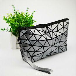 муфта геометрии Скидка Wholesale- 2017 New Japan Baobao Clutch Handbags Messenger Bag Bao Women Make Up Laser Sac Bags Geometry Envelope Clutch Phone Small Bag