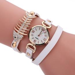 Canada 2018 HOT mode loisirs Dames Montre Bracelet Diamant Pendentif chevrons bobinage fille quartz montre SHOPING GRATUIT Offre