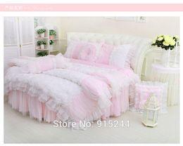 Sonho roxo clássico Rodada Canto Cama conjuntos de Cama de casamento de renda superking tamanho Rodada Bedskirt Duvetcover luxo rosa rosa Kit de cama de Fornecedores de rei comforter seda azul