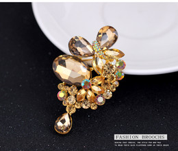 Wholesale Brass Spots - 2016 Korean fashion high quality champagne butterfly pendant diamond brooch alloy brooch jewelry wholesale spot