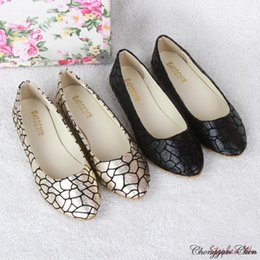 2019 кожаные туфли размер 35-41 марочных женщин квартиры моды плед шаблон балетные квартиры PU кожа плоские ботинки женщина sapatos femininos tenis дешево кожаные туфли