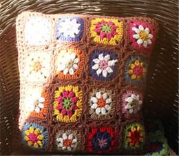 federe di crochet Sconti Federa per cuscino a strisce arcobaleno 3D nordico fatto a mano a 3 colori, federe per fiori lavorate a maglia in cashmere, regalo di nozze artigianale