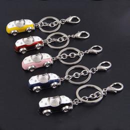 Yeni kristal araba anahtarlık gümüş altın vintage araba modelleri anahtarlık çanta kolye anahtarlık moda takı Noel hediyesi 240237 nereden