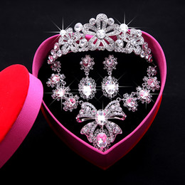 Wholesale Ring Cuff Earring - 2016 Fashion Bridal Jewelry Sets with Crystal Rhinestone Necklace Bride Necklace Earring Set Shining Wedding Jewellery for Party Event