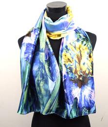 Sciarpa blu fiore online-1pcs giallo blu giglio fiore sciarpe pittura a olio del raso scialle lungo spiaggia sciarpa di seta 160x50 cm