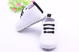 Wholesale Wholesalers For Cool Shoes - Wholesale-Cool Crown Print Baby Crib Shoes White Sneakers For New Born Baby boy Fashion Shoes Non-Slip Breathable Soft High Quality