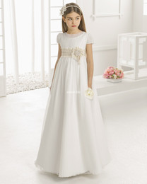 Wholesale Cheap Christmas Bows - Vintage Flower Girl Dresses for Wedding Empire Waist Short Sleeve Tulle Crew Champagne Lace Sash 2016 Cheap Children First Communion Gowns