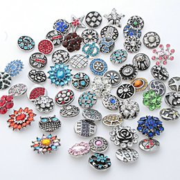 Wholesale diy metal charms - Wholesale 50PCS Lot High Quality 18MM Metal Snap Button Rhinestones Mixed Styles DIY Snaps Charms Jewelry Bracelet&Bangle S09