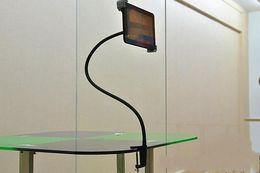 Abrazadera de la tableta online-Cuello de ganso flexible brazo largo soporte de escritorio Soporte de montaje de la abrazadera del perno con 360 grados de fácil ajuste para Ipad Tablet PC