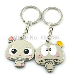 Wholesale Unique Door - Unique mushroom design Metal Couple Key chains Lover Keychains Key rings for Wedding Small Door Gifts T