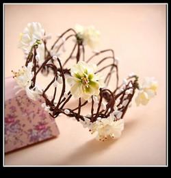 Wholesale Hawaii Flowers Free Shipping - 2015 Fashion Wedding Garlands Headband Flower Crown Hawaii Hanmade Flower Tiaras Hair Accessory Free Shipping Bridal Tiaras Headpiece QM