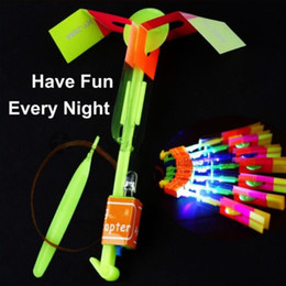Wholesale Led Lighted Helicopter Wholesale - LED Arrow Helicopter LED Amazing Arrow Flying Helicopter Umbrella parachute Kids Toys Space UFO LED Light Christmas Halloween Flash Toys