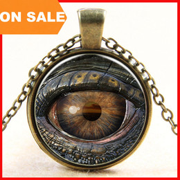 Wholesale Glass Evil Eye Necklace - Europe New evil eye necklace glass 3D eyeball time gem necklace for men statement jewelry Halloween gift 160676