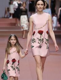 Ropa para niñas Vestidos 2015 Verano Madre e hija Ropa familiar Chica grande Encantadora rosa Flor Vestido sin mangas estampado Rosa Azul I3475 desde fabricantes