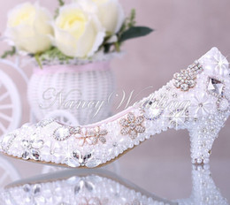 Wholesale Elegant Crystals Bridal Shoes - Luxurious Elegant Imitation Pearl Wedding Party Dancing Shoes Bridal Shoes Crystal diamond low-heeled shoes Woman Lady Dress Shoes