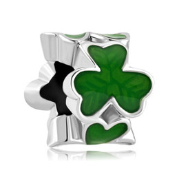 Wholesale green clover charm - Fashion women jewelry Pandora style metal 3 leaf green clover lucky European spacer bead large hole charms for beaded bracelet
