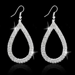 Orecchini a cristallo di diamanti del teardrop del rhinestone online-Nuovi orecchini di cristallo lucido di lusso affascinante per le donne orecchini di goccia a forma di goccia di strass Tony750