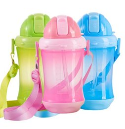 Wholesale Paper Cup Hot - Hot style handle pp bottle mouth wide belt baby sling portable Straw blister paper card cup wholesale baby bottles mother and baby supplies