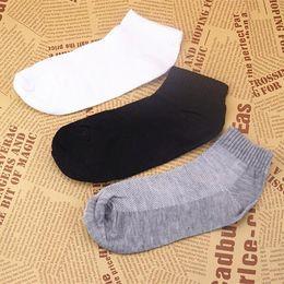 Wholesale Socks Pieces - S03 40 pieces = 20 pairs Wholesale Cotton Blends  Men Sport Ankle Socks  OK For US size 7-11.