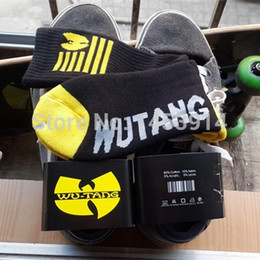 Wholesale Animal Sports Wear - Wholesale-wu tang clan black and yellow long casual socks street wear Skateboard fixed gear sport men women hip hop cool meias socks soks