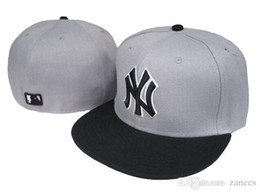 Wholesale Design Pattern MLB Yankees Classic Collection Baseball Cap Front Embroidery on field Fitted Hat