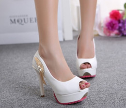 Недорогие белые пятки на носках онлайн-На складе 2016 дешевые Peep Toe стразами Белый свадебные туфли 11.5 см высокий каблук черный фуксия Кристалл свадебные туфли для невесты аксессуары