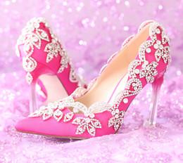 Cor cetim fúcsia on-line-Gorgeous Pointed Toe sapatos de casamento de cetim de alta qualidade Rhienstone Elegant Fuchsia Color Prom Dress Shoes Banquet Pumps