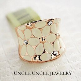 Wholesale Beautiful Crafts - Beautiful Rose Gold Color Rhinestones Enamel Craft Classic White Lovely Daisy Design Lady Finger Ring Wholesale
