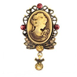 Wholesale Cheap Elegant Wholesale Brooches - Hot Selling Top Quality Cheap Antique Gold Plated Victorian Queen Head Camao Pendent Pins Brooch Elegant Gift Pins B974