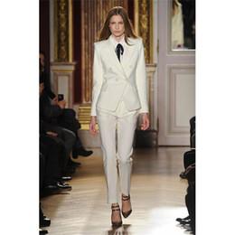 Ropa de trabajo de invierno moda mujeres negocios elegante traje de pantalón Slim formal chaqueta de manga larga de marfil con pantalones trajes de damas de oficina desde fabricantes