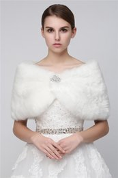 Wholesale faux fur stole ivory - Custom Made 2017 Cheap Faux Fur Long Shrug Cape Stole Wrap For Wedding with Long Sleeve Free Size Bridal Prom Evening WHITE IVORY Bolero