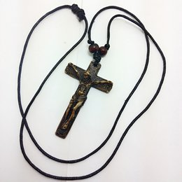 Wholesale Hand Carved Crosses - Vintage Yak Bone Cross Necklace Hand-made Carving Jesus God Pendant Necklace Fashion Jewelry