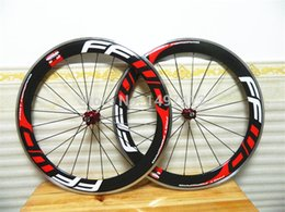 ffwd f4r kohlenstoffräder Rabatt Rot weiß FFWD Carbon-Räder Clincher FFWD F6r 60mm Fahrradräder Straße Carbon Laufradsatz Legierung Carbon 700c Räder mit roten Naben