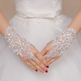 Wholesale sequin fingerless gloves - Free Size White Fingerless Wrist length Rhinestone Lace Sequins Short Bridal Wedding Gloves Wedding Accessories 101514