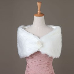 Wholesale Coat Dresses For Weddings - Princess Faux Fur Bridal Shrug Wrap Cape Stole Shawl Bolero Jacket Coat Crystal For Winter Wedding Bride Bridesmaid Dresses Real Image 2017