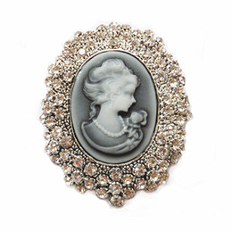 Wholesale Crystal Studded - New Arrival!!Vintage Style Sparkle Rhinestone Crystal Studded Cameo Victoria Queen Head Brooch Retro Cameo Maiden Woemn Brooch Pins B746