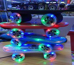 Mini bluetooth dello scooter online-Mini portatile senza fili bluetooth hifi musica altoparlante skateboard Scooter LED luci Stereo TF Card U disco per cellulare