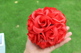 Wholesale Satin Kissing Balls - Hot Sale 15 CM Diameter Wedding Favours Artificial Kissing Rose Flower Ball for Wedding Party Decorations