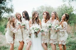 Wholesale Bohemian Style Lighting - Hippie Style Bridesmaid Dresses 2015 Cheap Long Sleeve Ivory Lace Knee Length Plus Size Bohemian Wedding Guest Party Maid of Honor Dresses