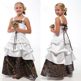 Wholesale christmas party picks - 2016 New Camo Flower Girls Dresses Pick ups Lace Up Junior Bridesmaid Dresses with Bow A Line Floor Length Kids Wedding Party Gowns BA1784