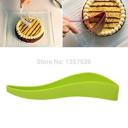 Wholesale Cake Server Plastic - Wholesale- 1PCS Free Shipping Kitchen Tool Easy Cutter Cake Sheet Slicer Bread Pie Slice Server Layer Gadget d8VNpS
