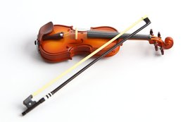 Frete Grátis Mini Violino Action Figure 1/16 escala pintada figura Mini Instrumento Musical Violino Boneca PVC ACGN figura Garage Kit Brinquedos de