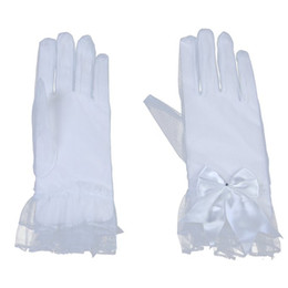 Wholesale White Bridal Gloves Simple Wrist - Simple 2015 Tulle Bridal Gloves Wrist Length Bow Beads Lace Edge Full Finger Wedding Accessories Evening Party Prom Gloves