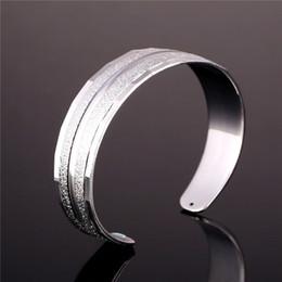Brazalete plateado oro 18K de la vendimia unisex para las mujeres / hombres Brazalete ancho plateado de la pulsera simple del estilo platino desde fabricantes
