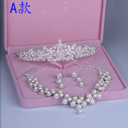 Wholesale Three Piece Pearl Tiara - Cheap high Quality Three Pieces Bridal wedding Jewelry Crown Necklace And Earrings Pearls Luxury tiaras Evening Prom Women jewelry WWL