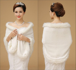 Wholesale cheap white fur coats - Cheap 2015 Wedding Accessories Winter Wedding Coat Fur For Bride Bridal Wraps Faux Fur CoatSleeveless Evening Party prom Jackets Accessories