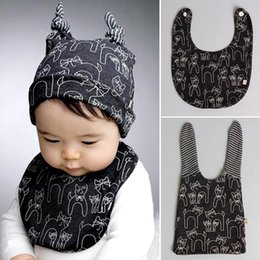 Wholesale Wholesale Baby Aprons - Newborn Babyies Caps Hats + Bib Apron 2pcs Sets For Girls Boys Cartoon Cat Cute Printed Set Baby Lovely Children's Accessories 2 Color A4766